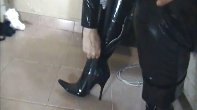 کوزه عکس سکس با کس های سوراخ کن الاغ خشن با دیلدو