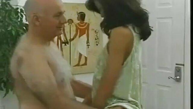 - نامادری از voodoo برای فریب کوس عکس سکسی دادن دختر استفاده می کند