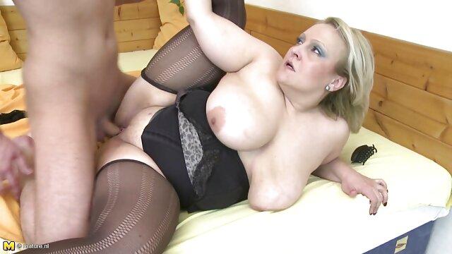 دختر لاغر عاشق عکس کس سکسی خارجی فاک سخت مقعدی در آشپزخانه با جوانان بزرگ است