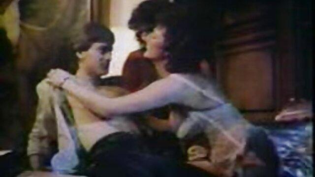 آبنوس فاحشه سبک Capri عکسهای سکسی از کس در نمایش