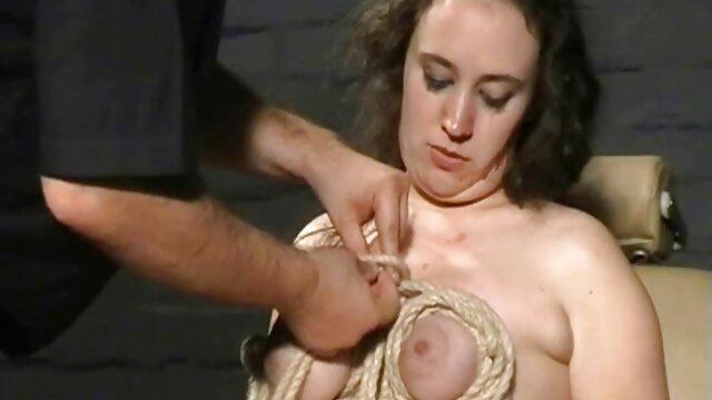 سلنا اسکای دامن عکس سکسی لیسیدن کس خود را بلند می کند و به سختی از پا در می آورد