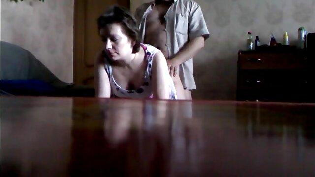 - مجازات های گربه سخت از عکس سکسی گاییدن کس Noemie Bilas